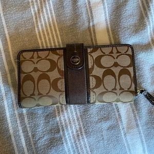 Like New- Coach wallet with snap ID/card front